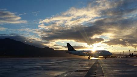aircraft-airplane-airport-730778_2