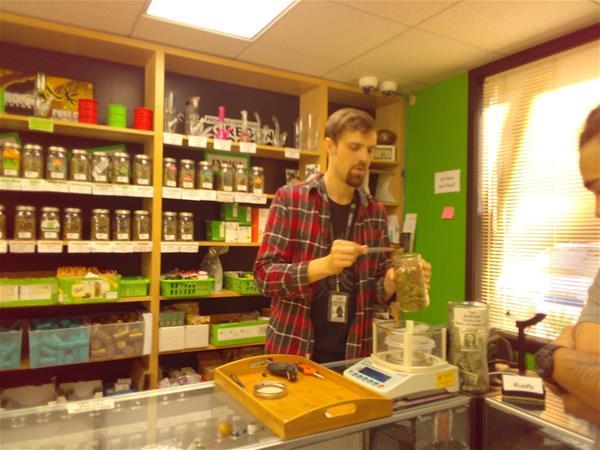 Top Shelf Cannabis - McMinnville